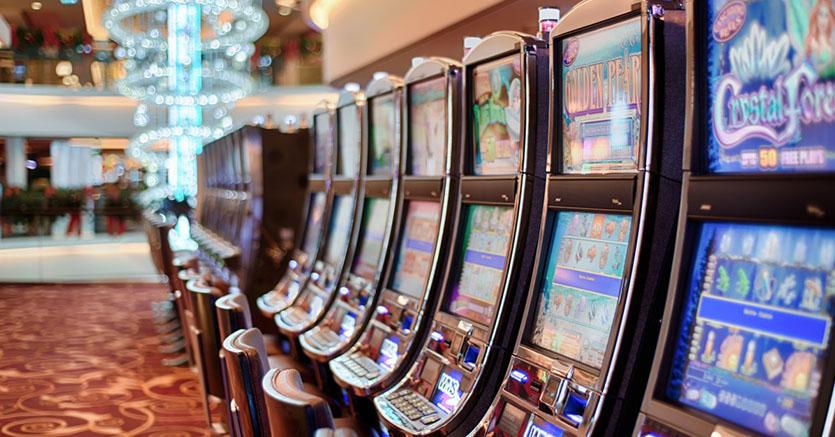 kasino og spillmaskiner
